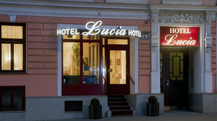 Wenen, Hotel Lucia, Façade hotel
