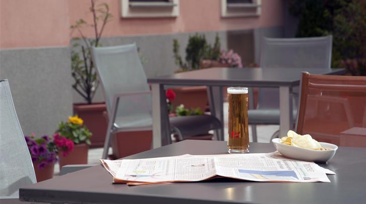 Wenen, Hotel Lucia, Patio met terras