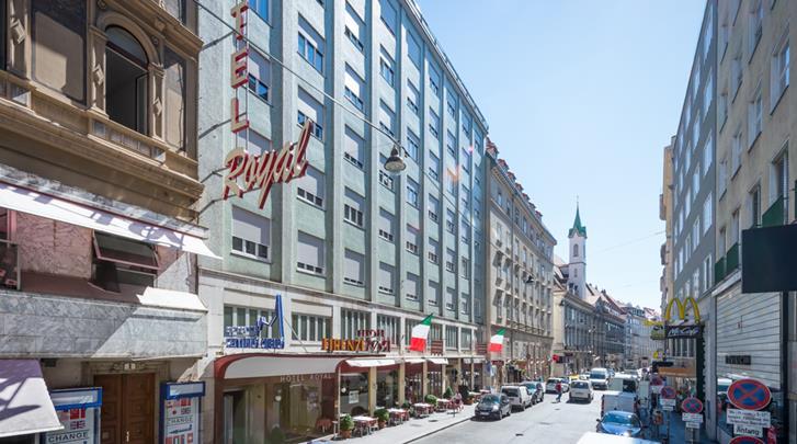 Wenen, Hotel Royal, Façade hotel