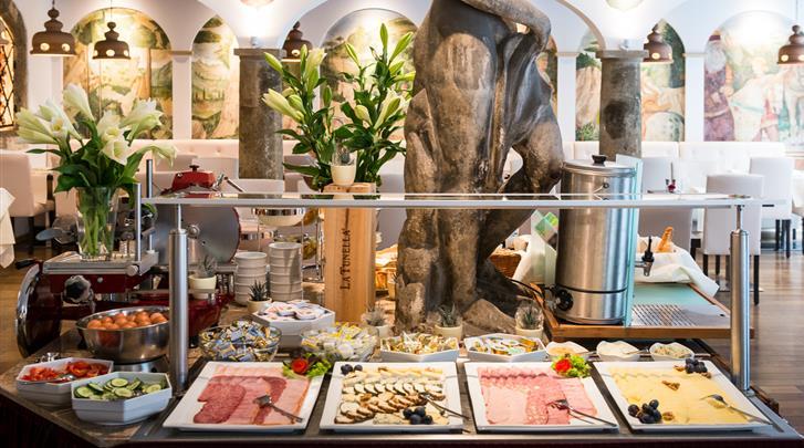 Wenen, Hotel Royal, Ontbijtbuffet