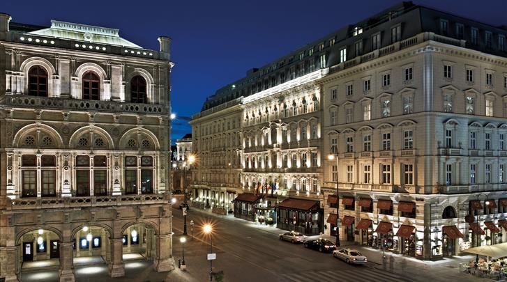 Wenen, Hotel Sacher, Façade hotel