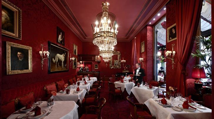 Wenen, Hotel Sacher, Rote Bar